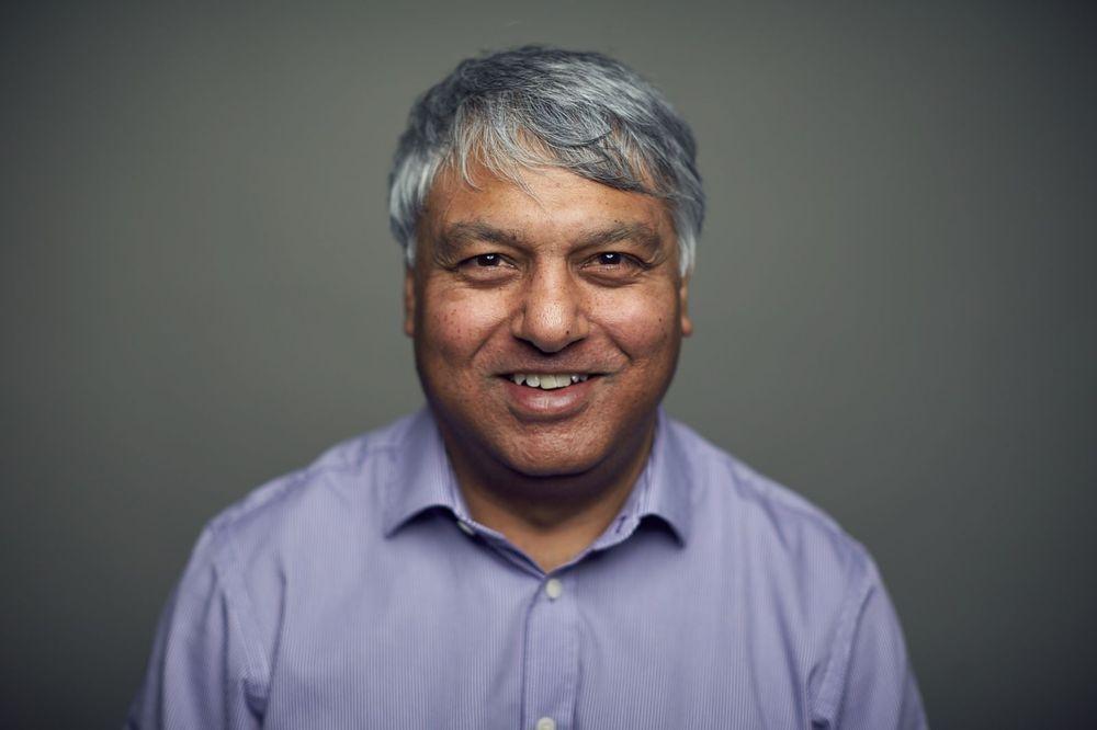 Dr Jas Singh