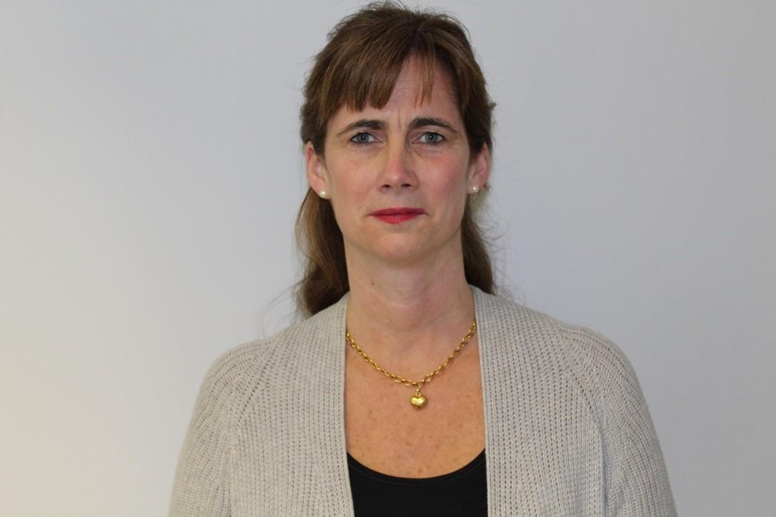 Mrs Dominique Davidson